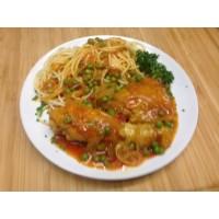 Cuisse de poulet sauce pastis, spaghettis et petit pois