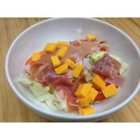 Salade hollandaise : salade tomate mimolette œuf dur thon concombre