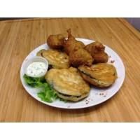Beignets de légumes, sauce fraicheur aux herbes et potatoes maison
