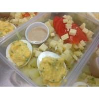 Salade de pomme de terre, endives, fromage et œuf mimosa