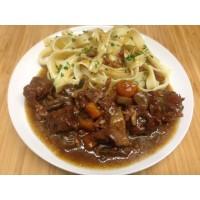 Bœuf braisé aux légumes et lardons et ses tagliatelles